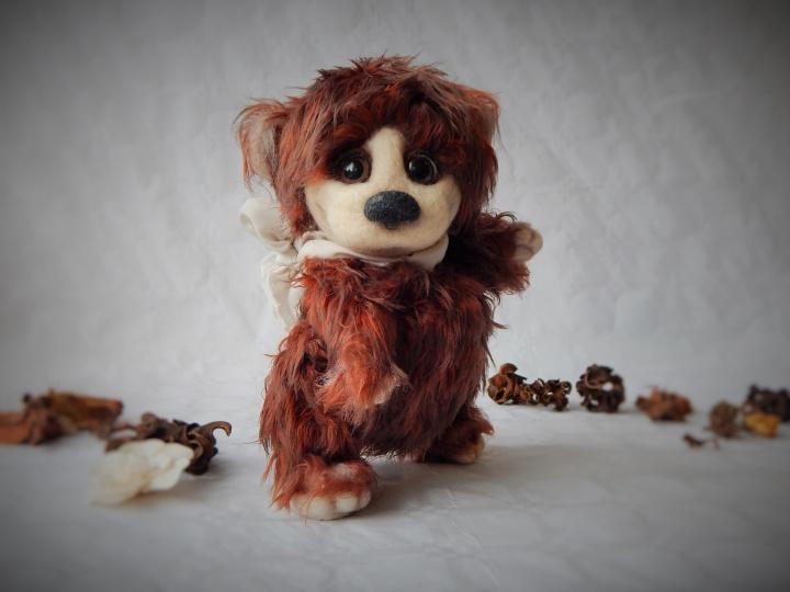 Nertas meškiukas Šokoladukas / nertas interjerinis žaislas