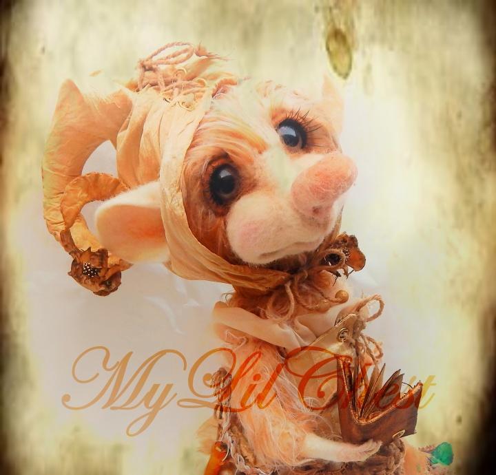 Nykštukė Uoginukė - nertas interjerinis žaislas pelytė