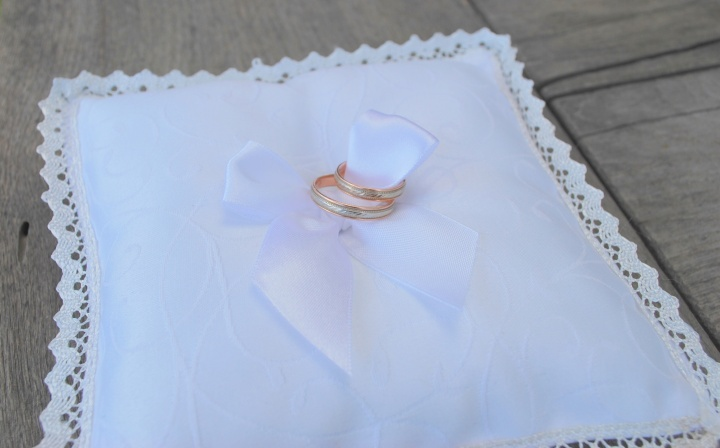 Pagalvėlė vestuviniams žiedams