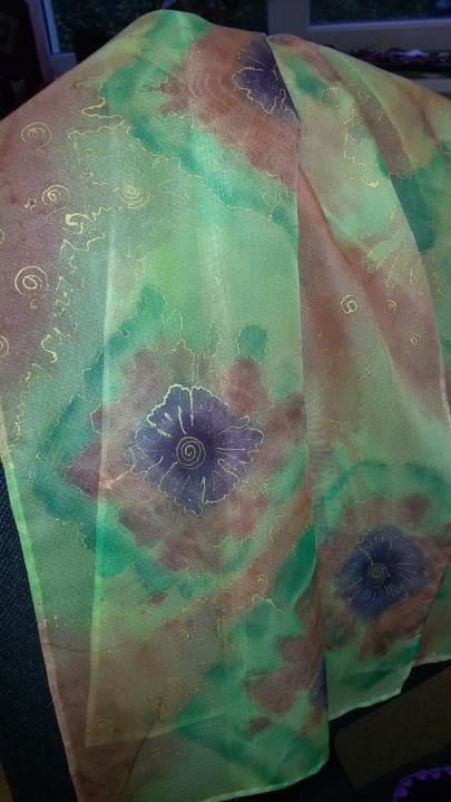 Šalikėlis,,Plaukiančios gėlės''