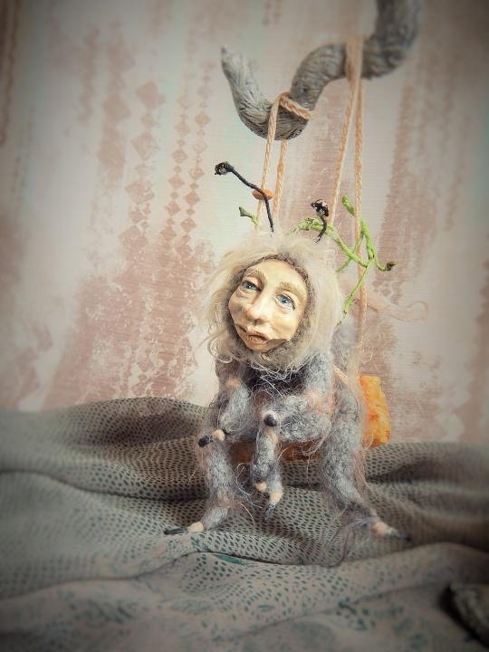 Slaptasis nykštukas Žolininkas ir jo augintinis Samanius / peliukas ir kamanė