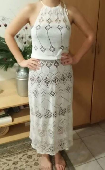 suknele balta