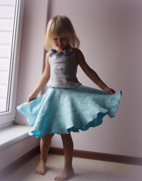 Veltas kostiumėlis mergaitei