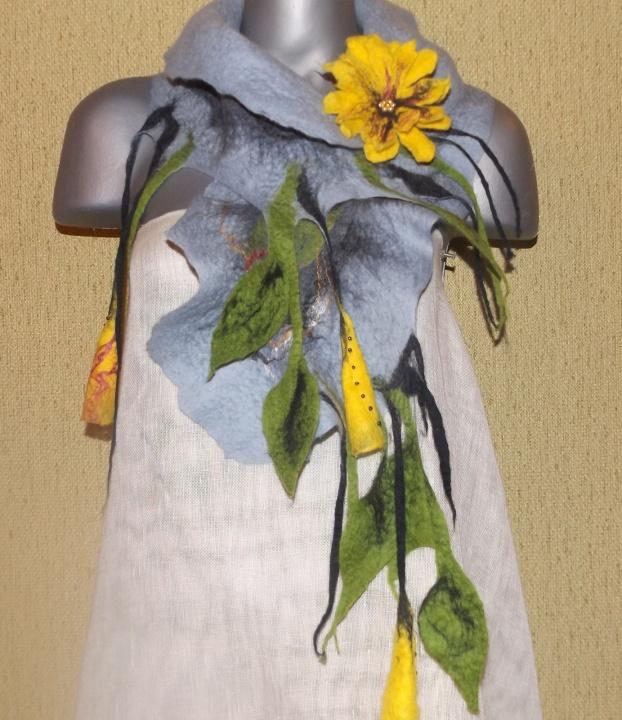 veltas šalikas su geltonom gėlėm
