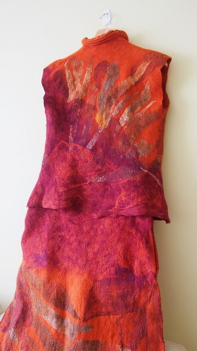 Veltas sijonas ir liemenė