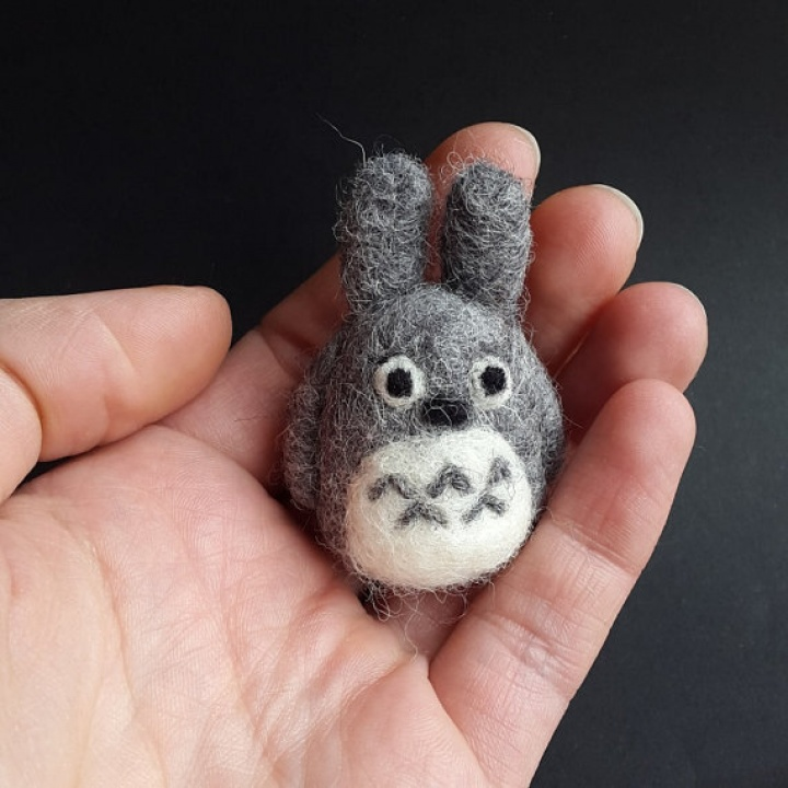 Veltas Totoro- segė