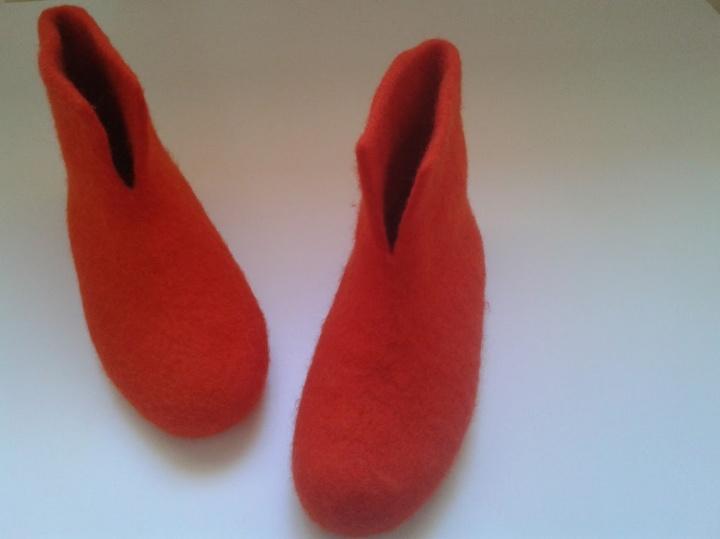Velti raudoni raudoni aulinukai