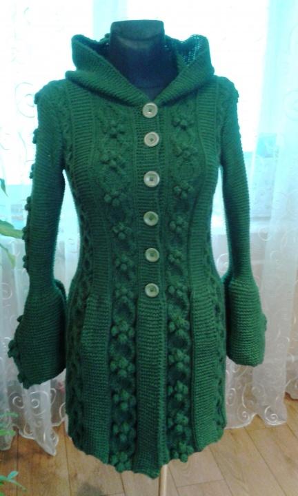 Žalias pyniuotas paltas