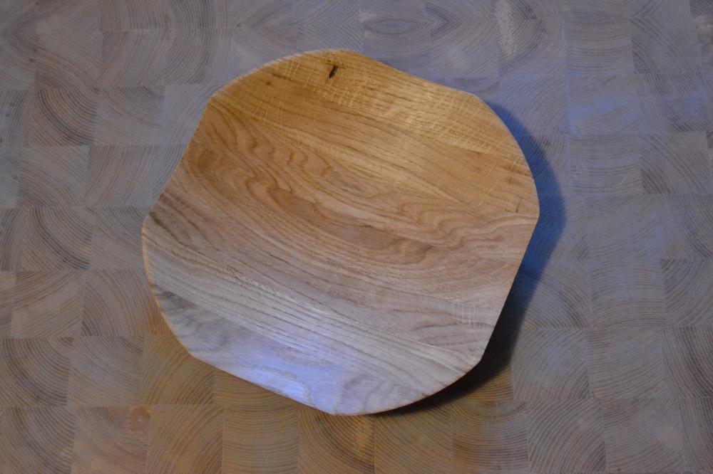 Dekoratyvinė daugiakampė ąžuolinė lėkštė