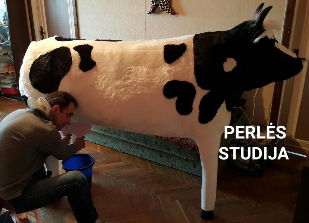 """Dirbtinio kailio karvė """"Megė"""""""