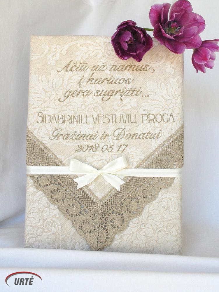 Dovana sidabrinių vestuvių proga - siuvinėta staltiesė