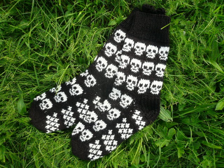 """GP-687 Vilnonės kojinės ,,Žaismingos kaukolės 2"""""""
