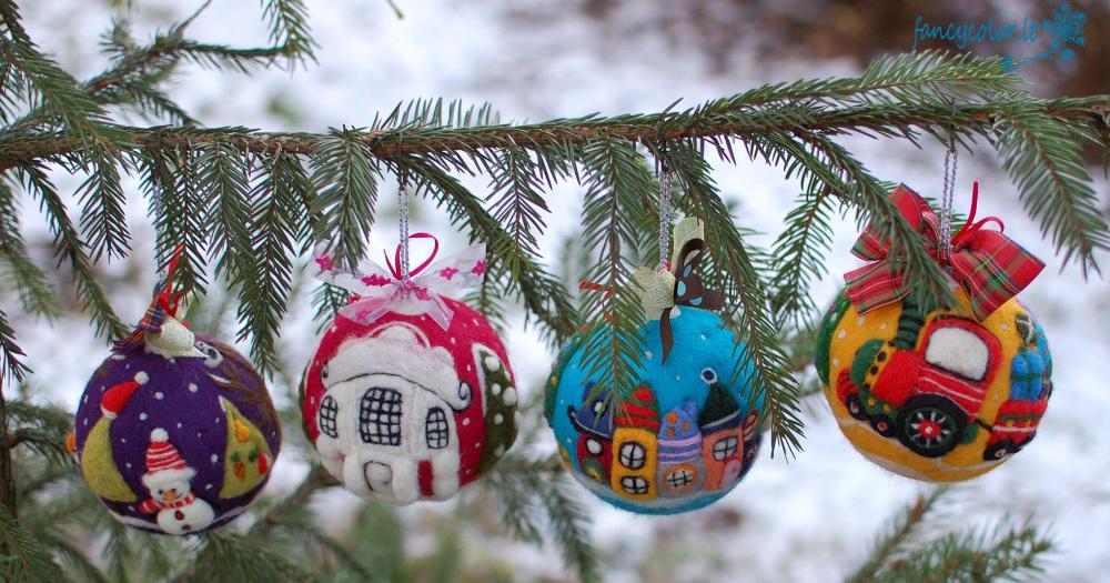 """Kalėdiniai eglutės papuošimai """"Linksmieji burbulai"""""""