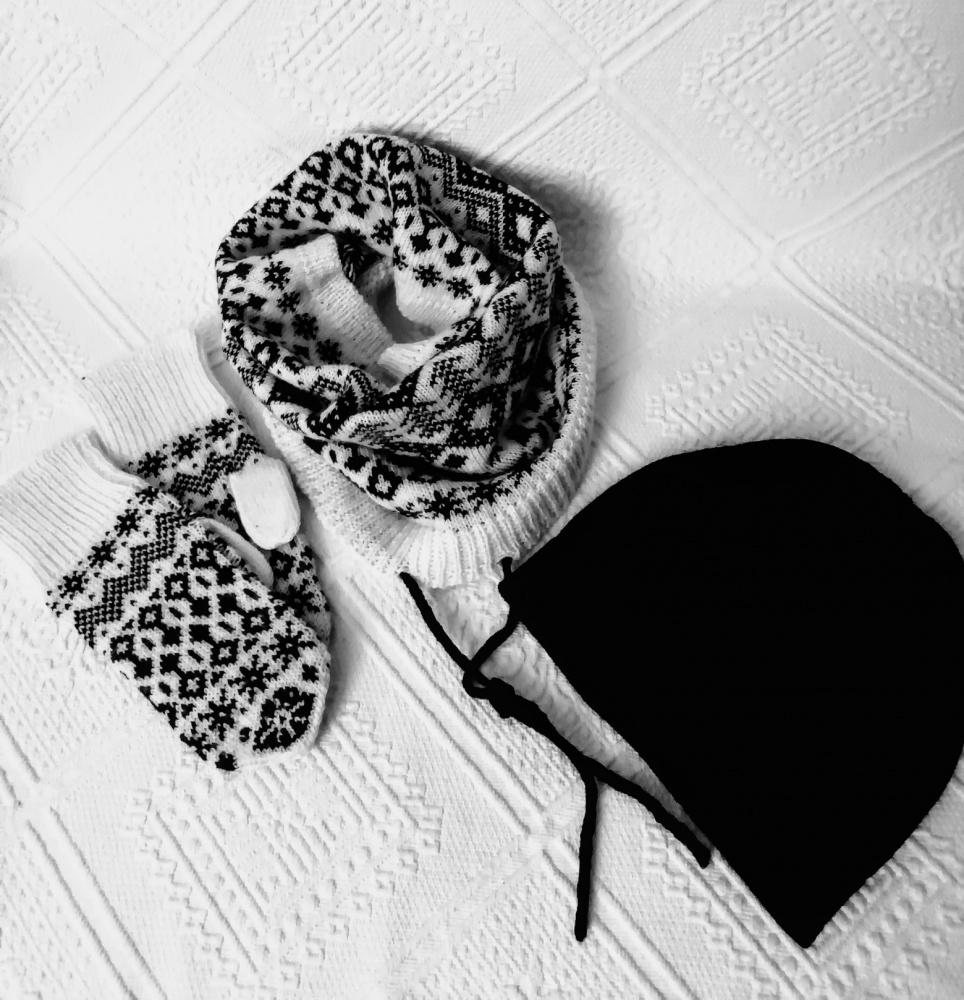 Kepurė, mova ir pirštinės