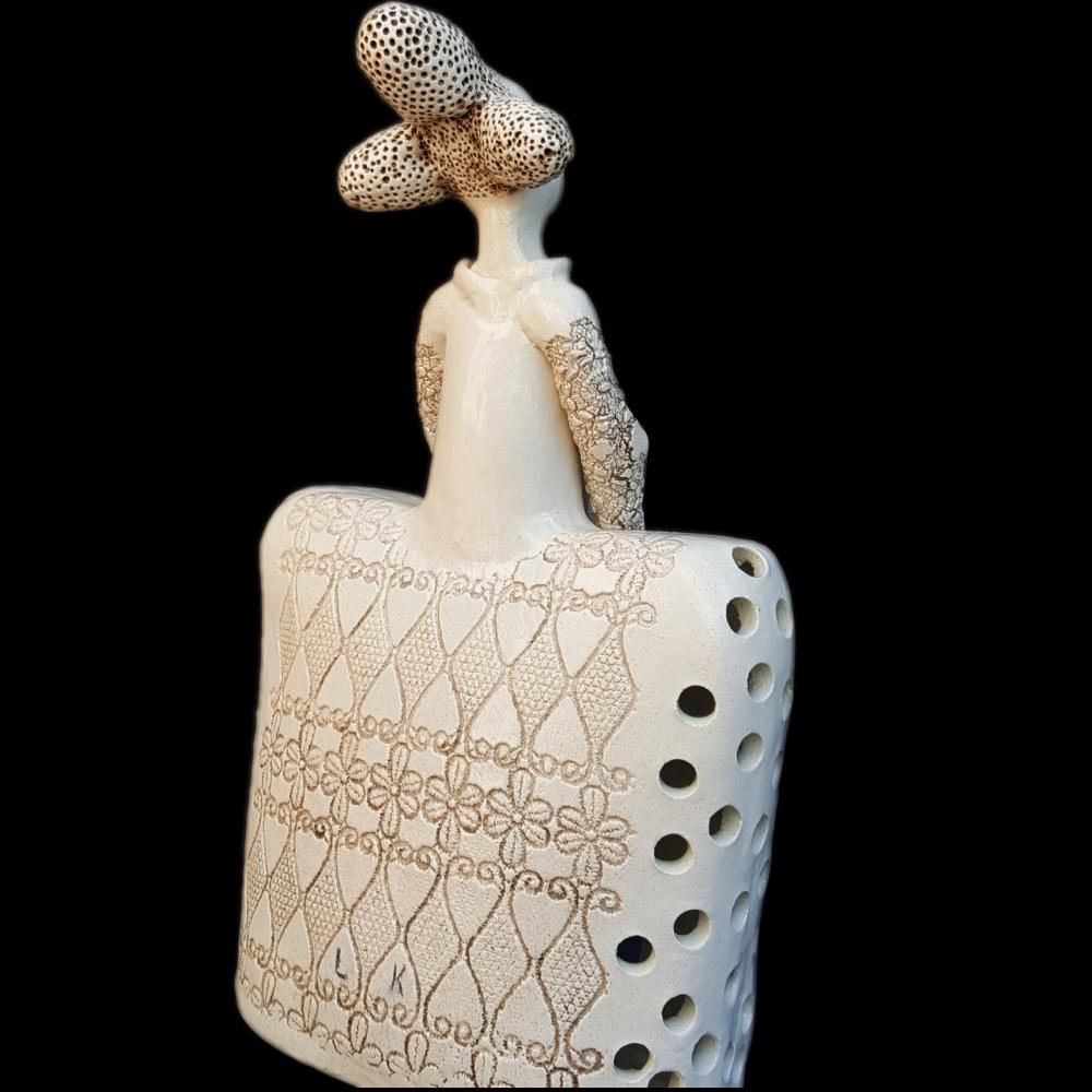 Keramikos skulptūra žvakidė Madam