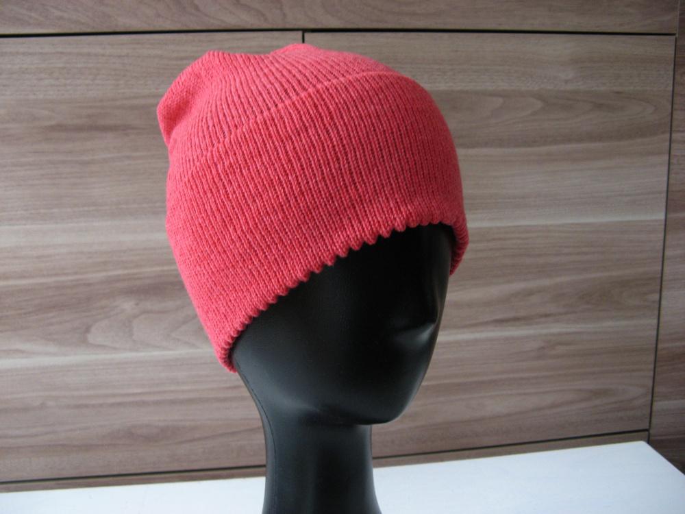 Koralinė kepuraitė