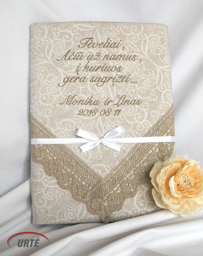 Lininė siuvinėta staltiesė tėvams vestuvių proga