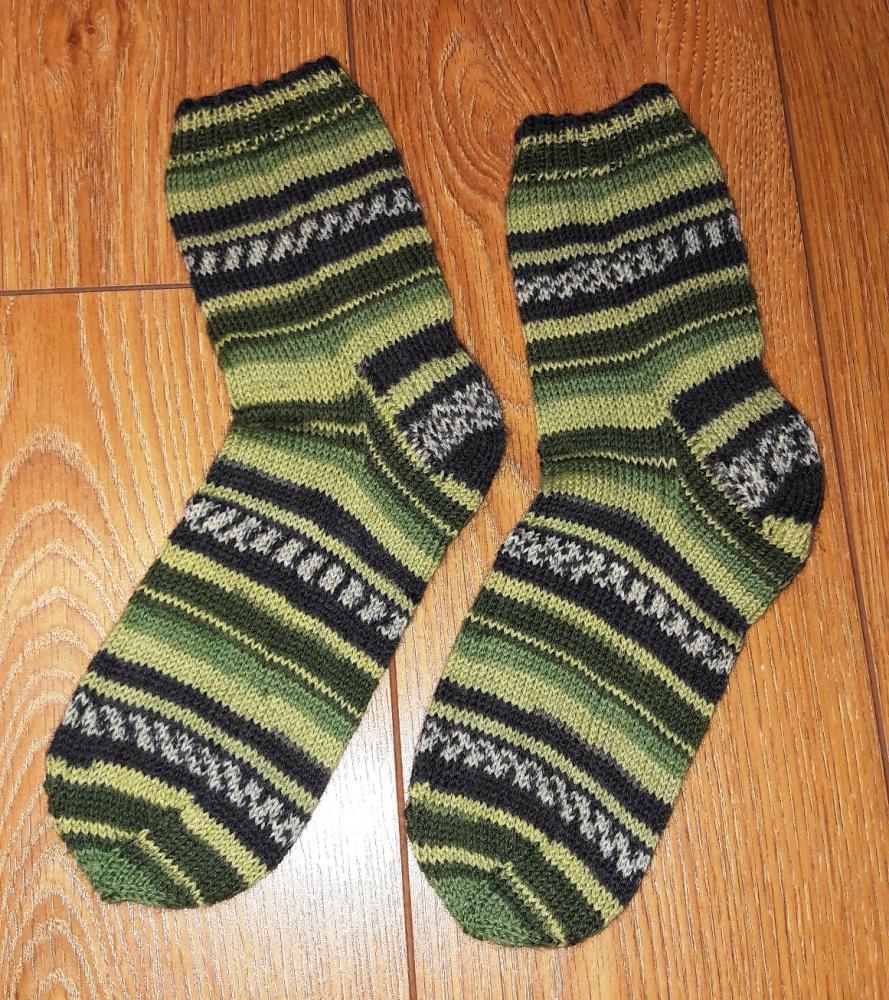 Margos kojinės žalios