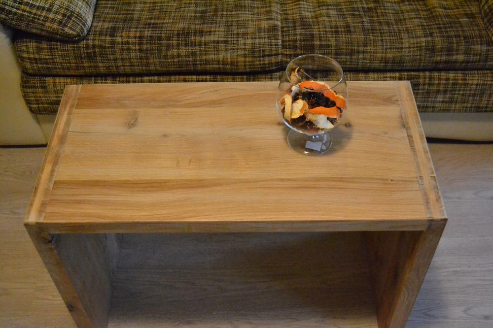 Masyvus ąžuolinis kavos staliukas