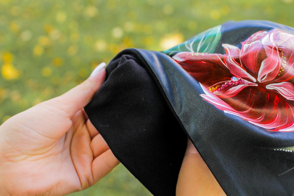 Medvilnės/eko odos kepurytė - Rožės žiedas