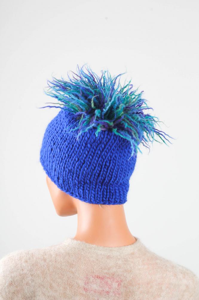 Megzta kepuraitė 'Kupstelis'
