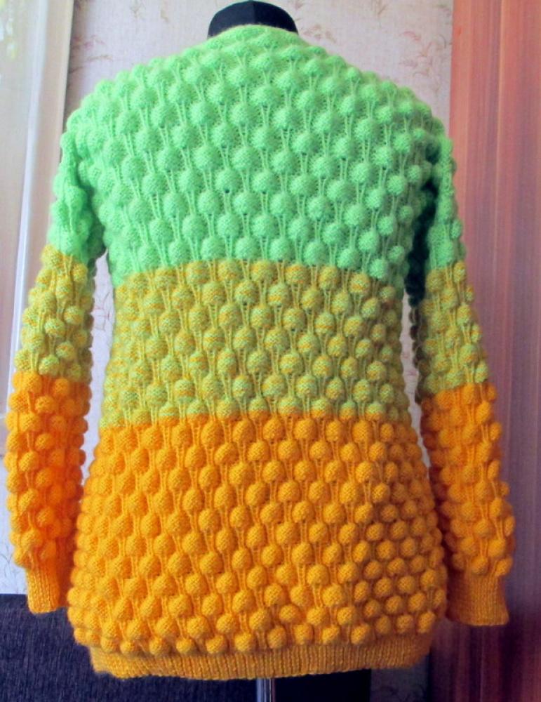 Megztinis su sagomis megztas virbalais