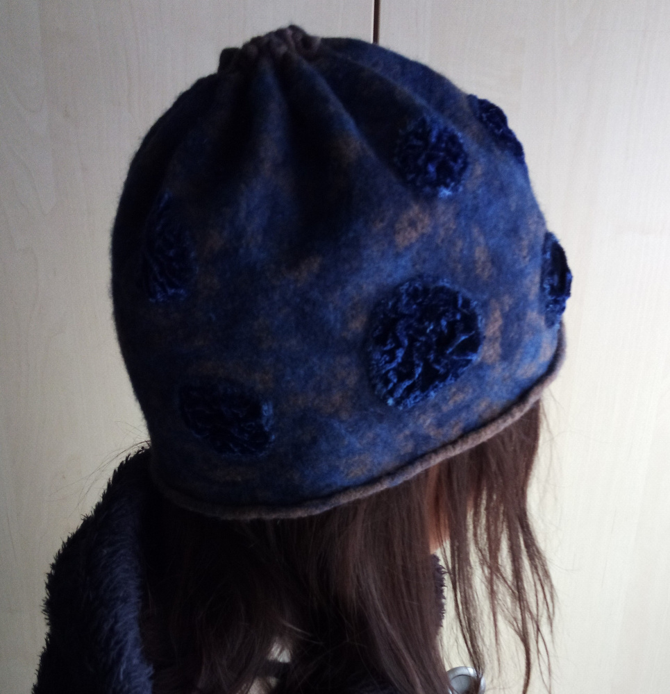 Mėlynas kepuriukas