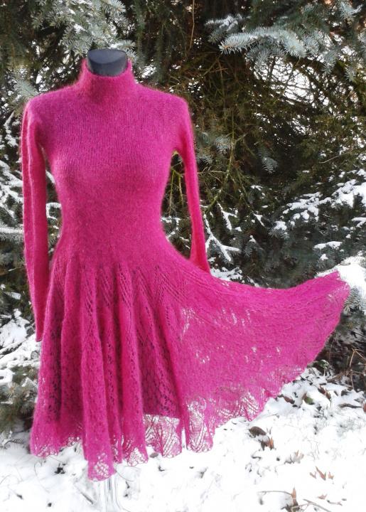 Moherinė bordo suknelė