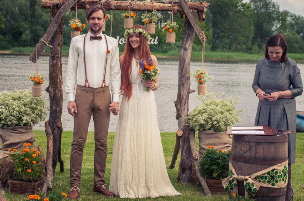 Moherinė vestuvinė suknelė