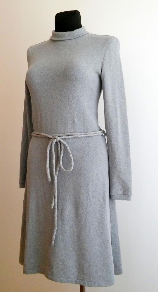 Moteriška trikotažinė suknelė