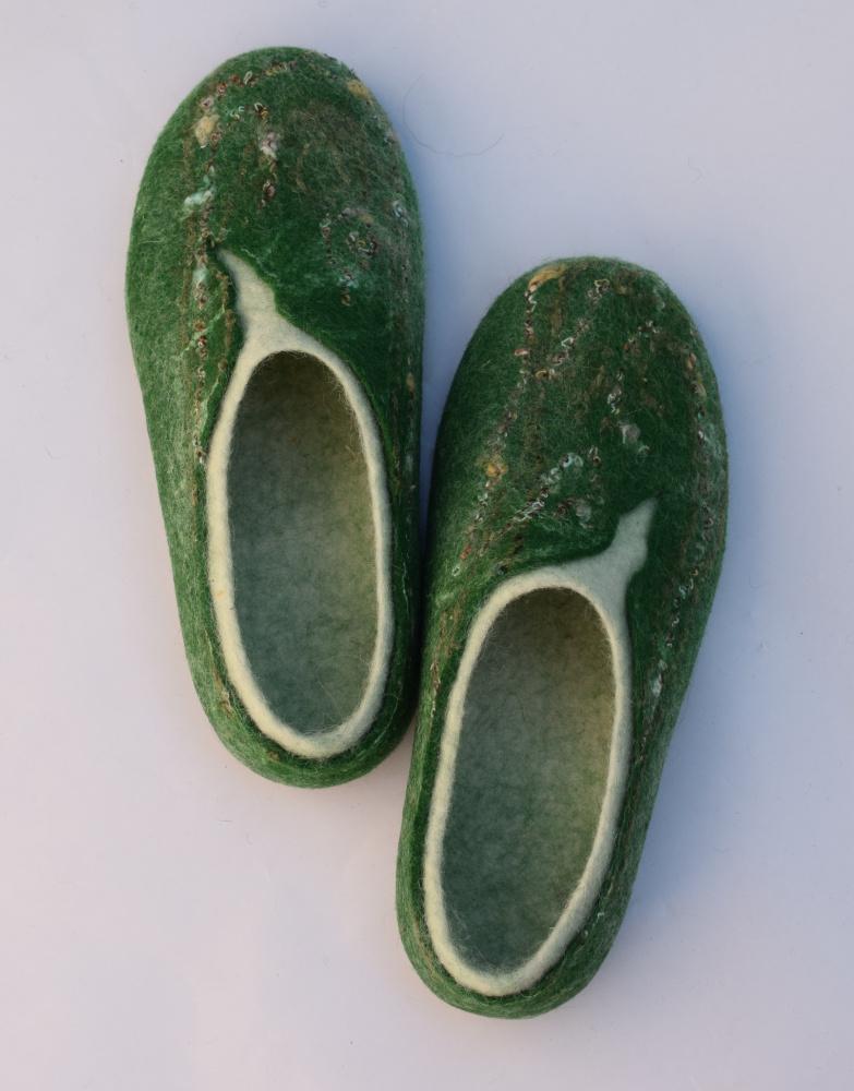 Moteriškai žalios