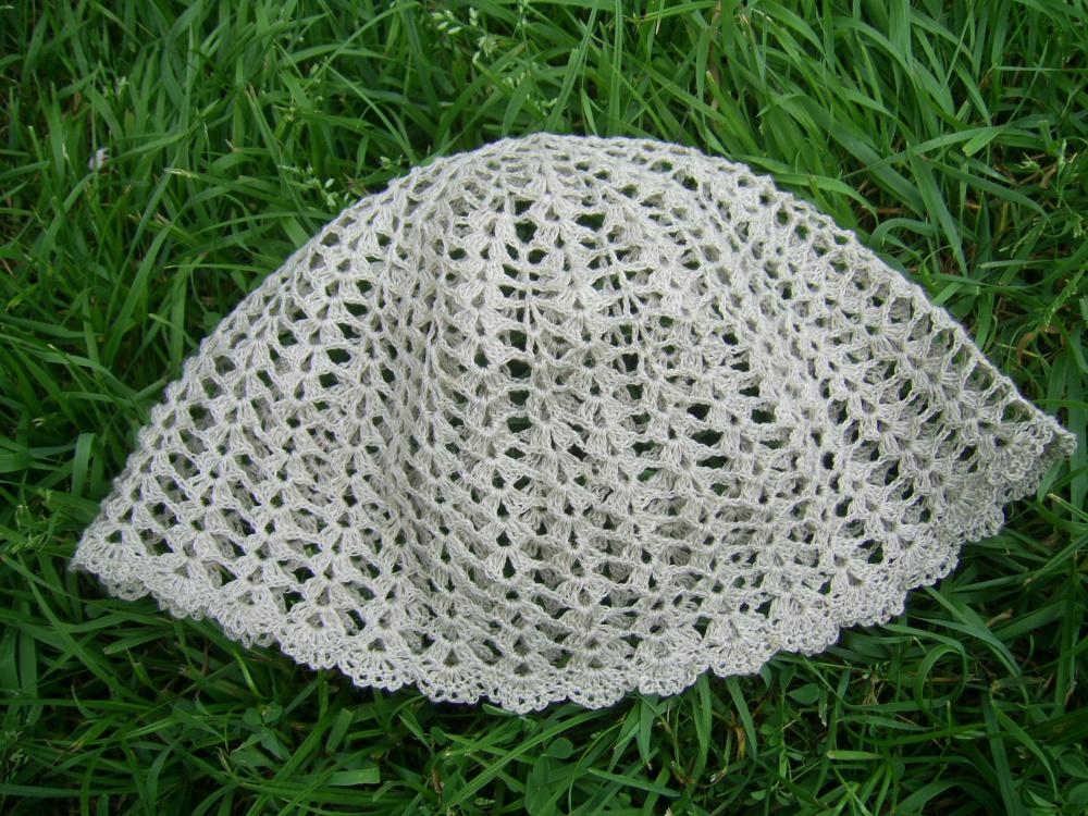 Nerta kepurė iš lininių siūlų