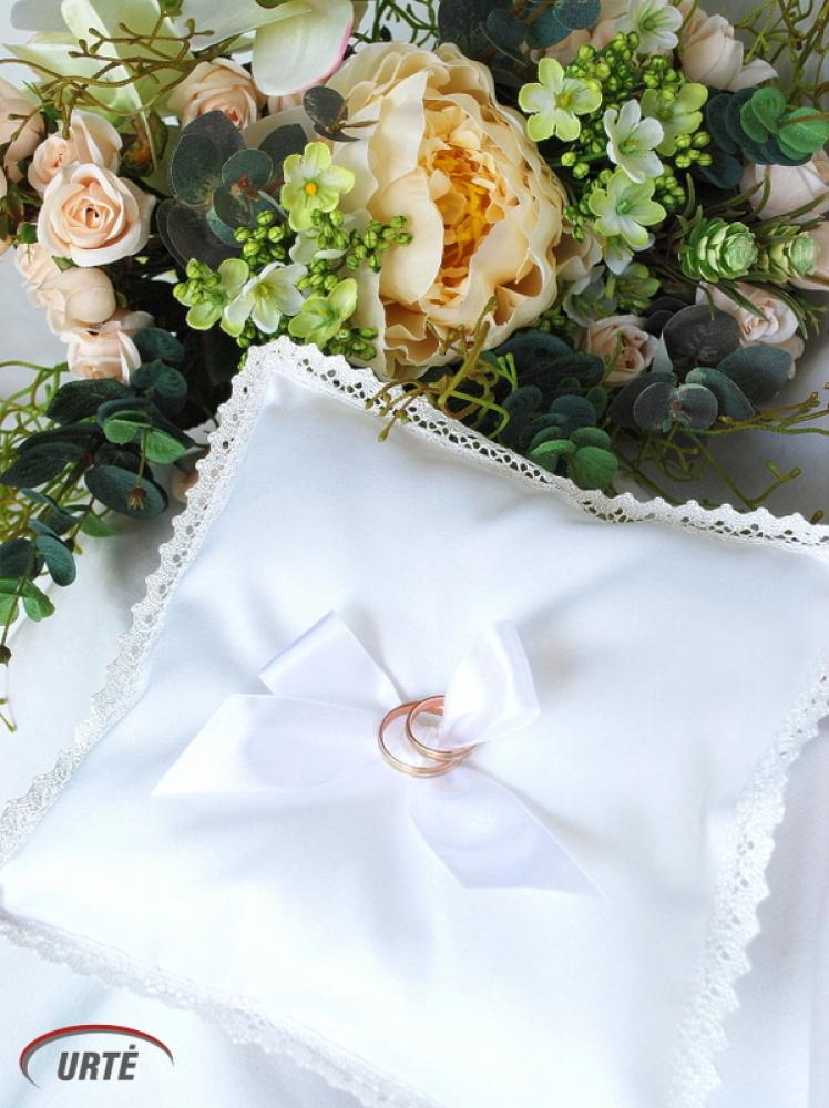 Pagalvėlė vestuviniams žiedams su kaspinėliu