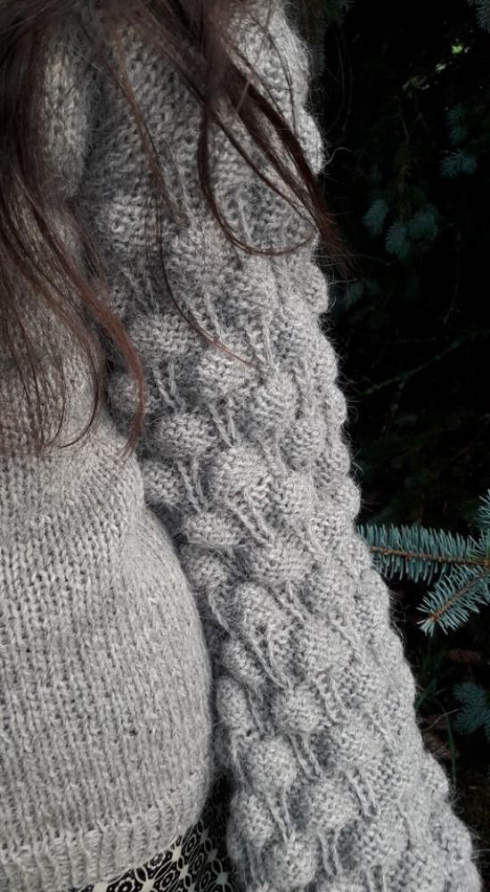 Pilkas megztinis 2