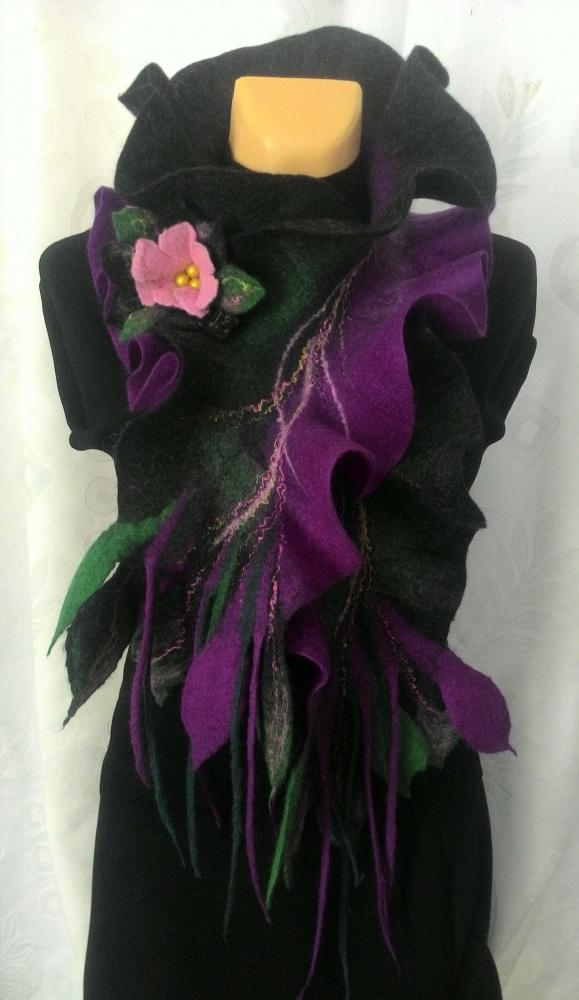 Pilkas violetinis veltas šalikas