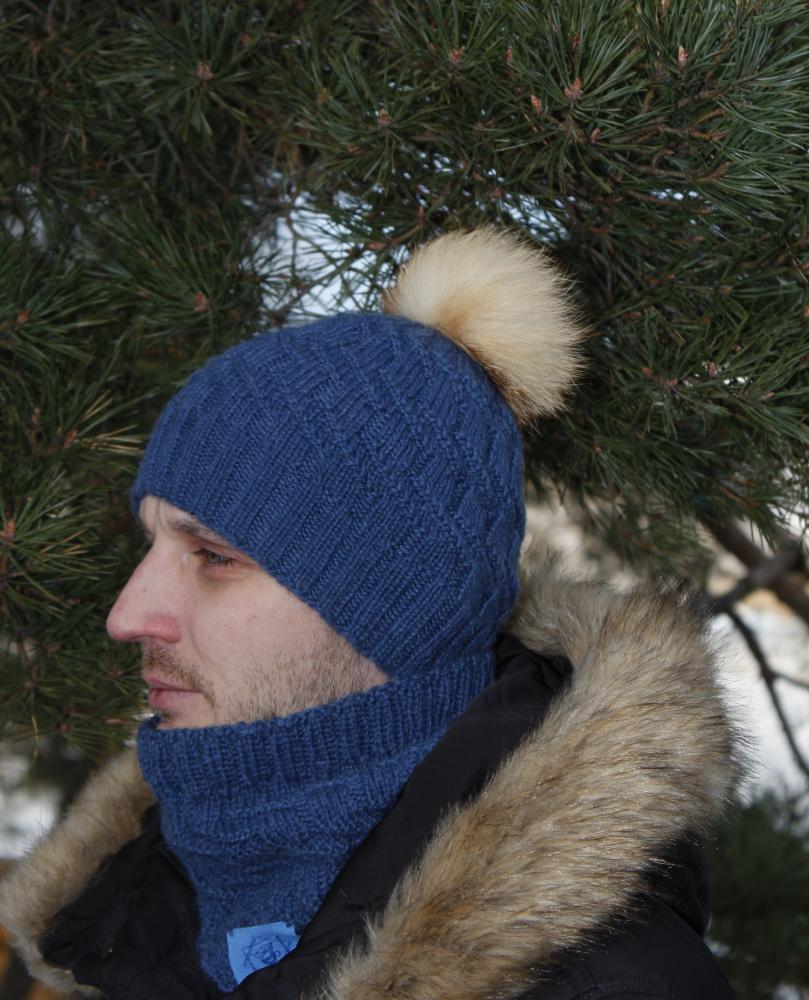 """""""Juozo"""" kepurė ir movas su natūralaus kailio bumbulu"""