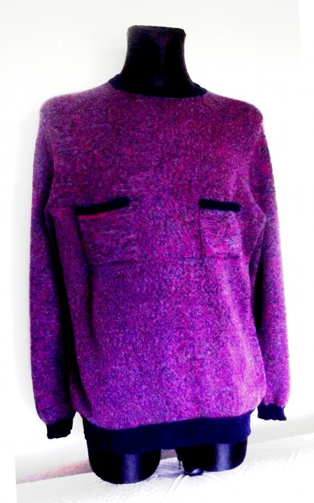 Ryškus vyriškas megztinis