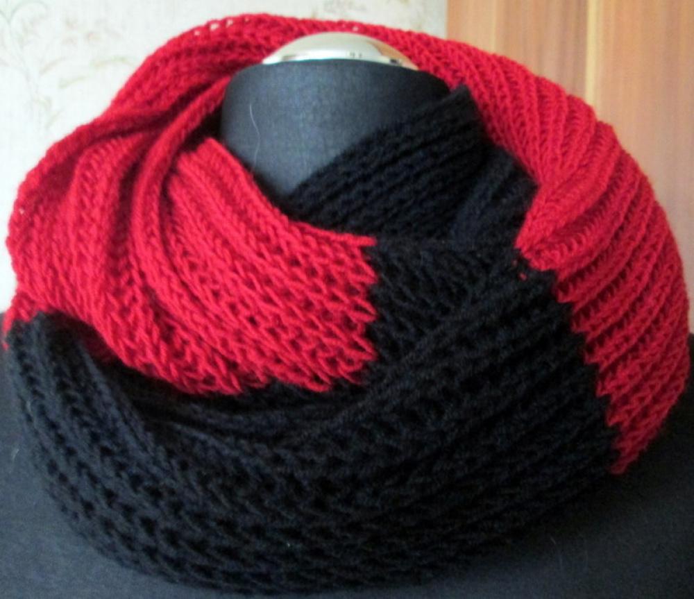 Šalikas-mova raudonas su juoda megztas virbalais
