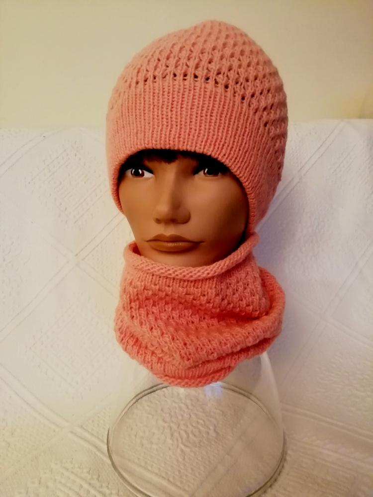 Šilta rožinė kepurė ir mova