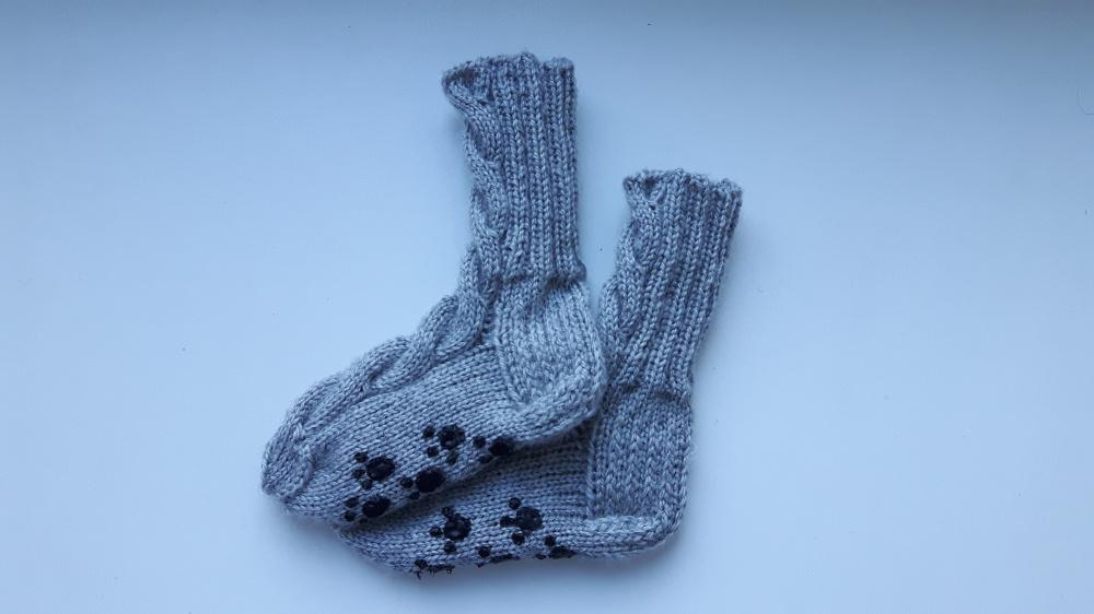 """Šiltos kojinės su """"stabdžiais"""""""