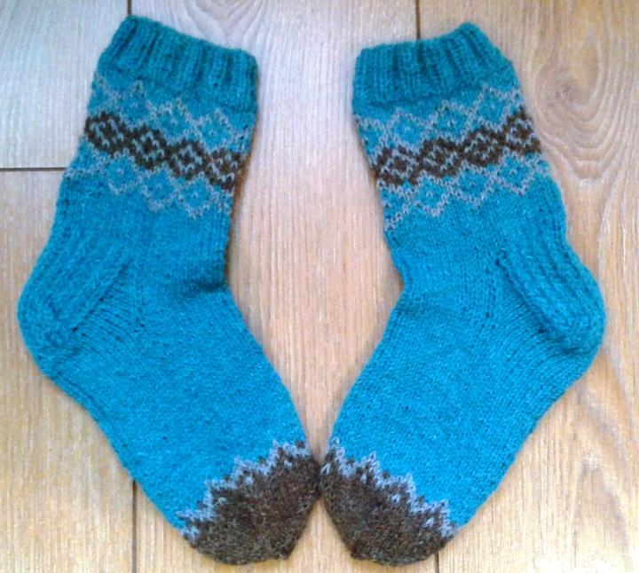 Turkio spalvos kojinės