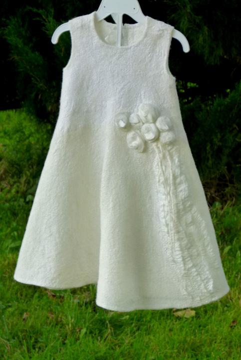 """Velta balta suknelė """"vaikystė"""""""