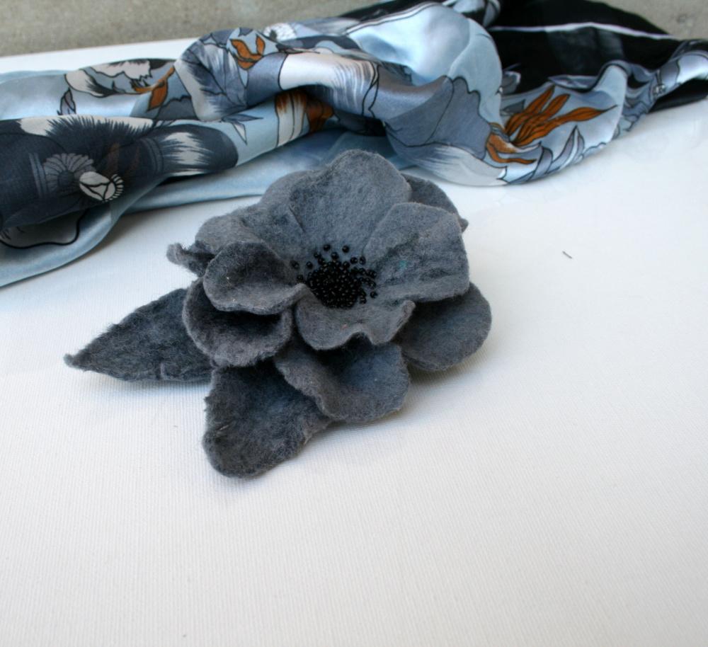 Velta gėlė Pilka