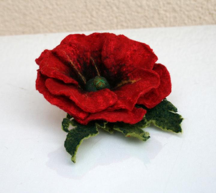 Velta  gėlė -sagė ,,AGUONA ,,