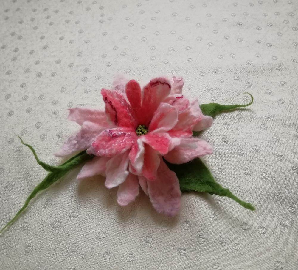Velta gėlė švelni rausva