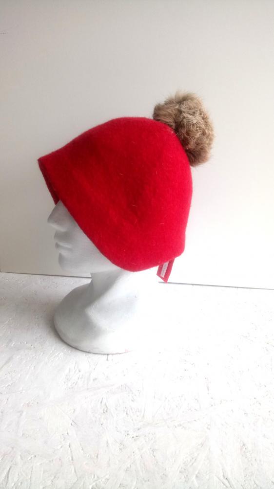 Velta minimalistine kepure raudona