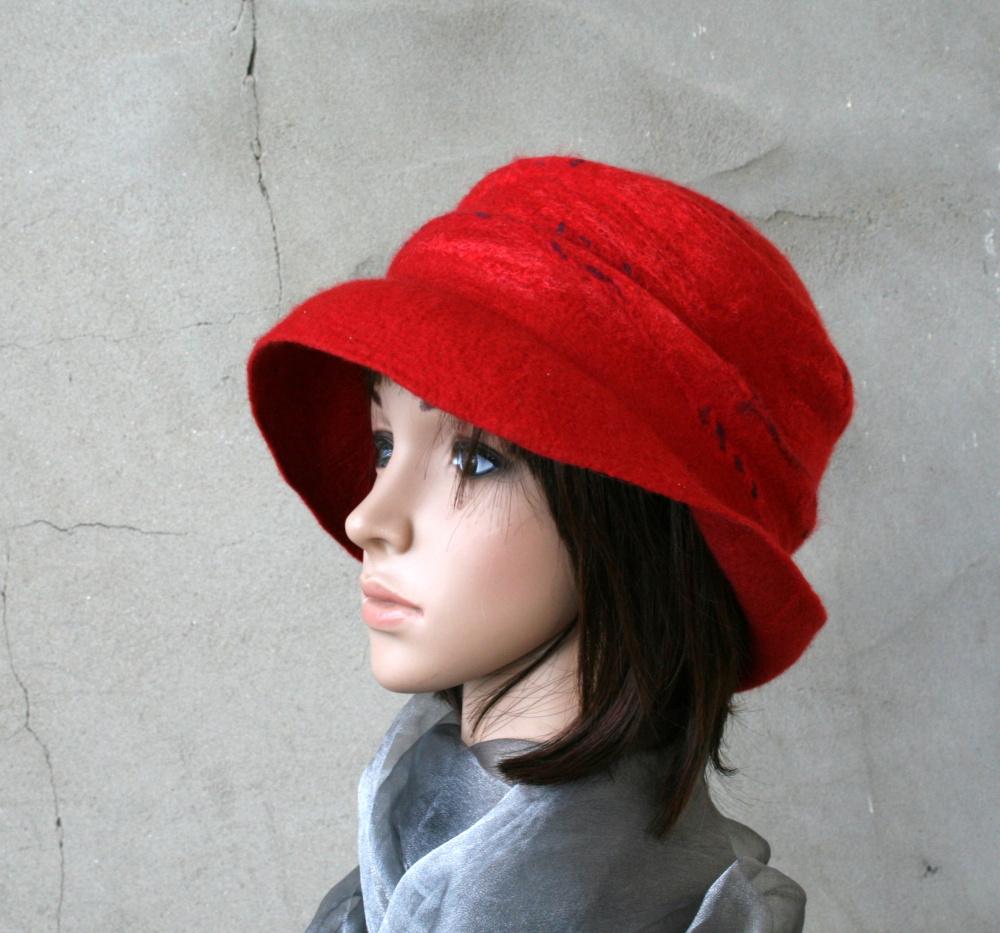 Velta skrybėlaitė ,,RAUDONA SAULĖ,,