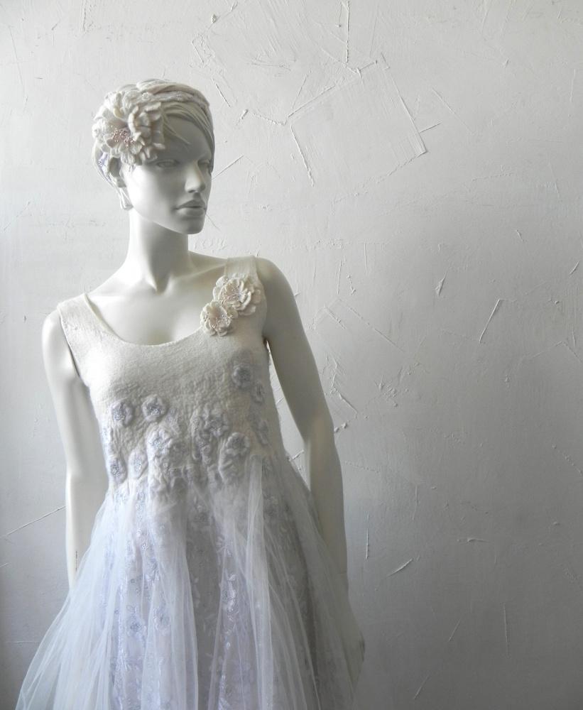 Velta vestuvine suknele