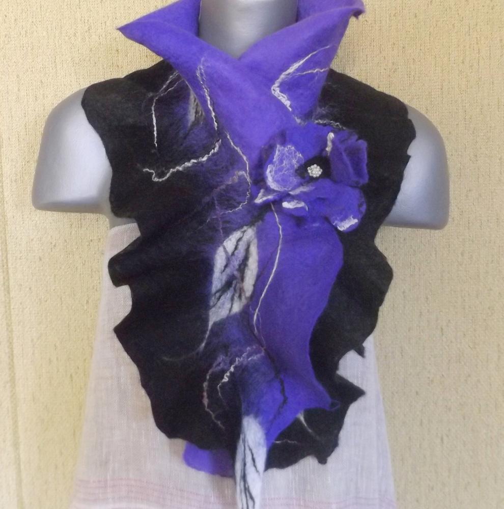 veltas šalikas su sage juodos-violetinės spalvų