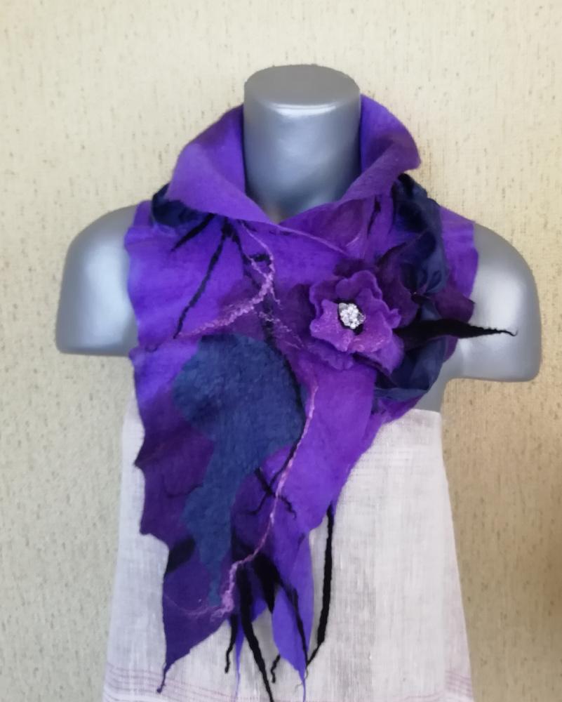 Veltas šalikas su sage violetinių atspalvių